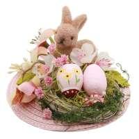 Rosa Fascinator mit aus Bast mit Blumen und Hase