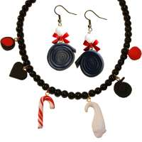 Set: Licorice earrings & necklace