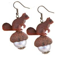 Squirrel on pearl - earrings