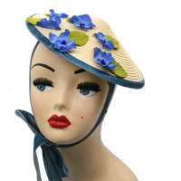 Conical hat natural with blue flowers