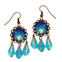 Sparkle earring in light blue with drop and glitter gemstone